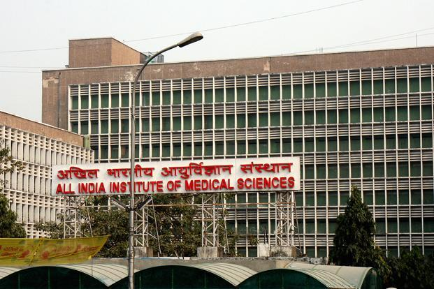The DCW issued notices to Delhi Police and AIIMS management.