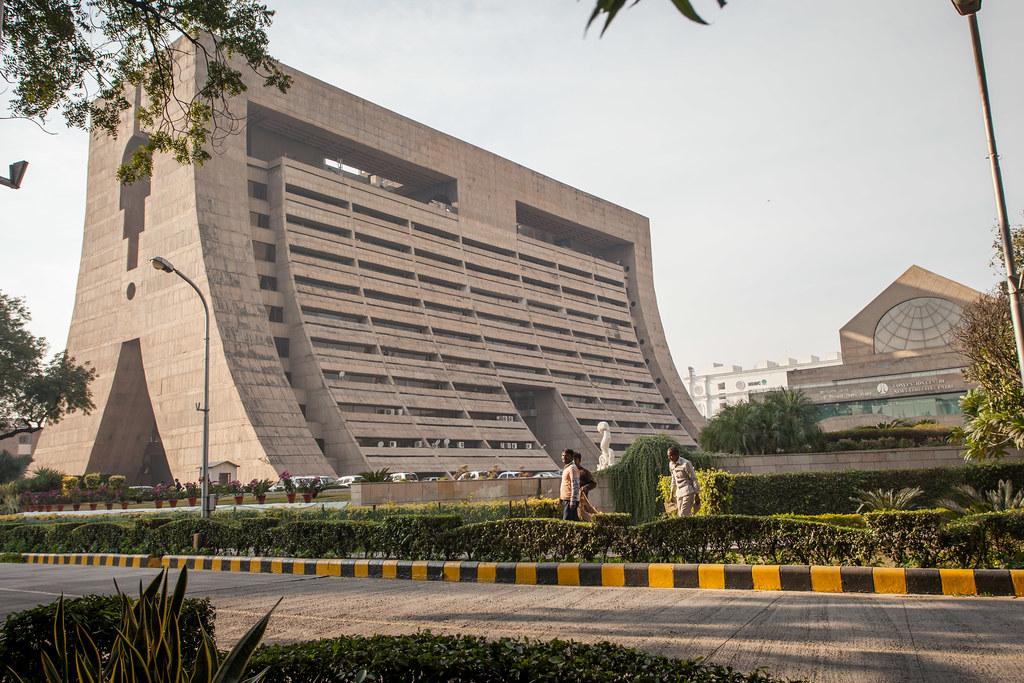 MHA terminates Visas amid lockdown