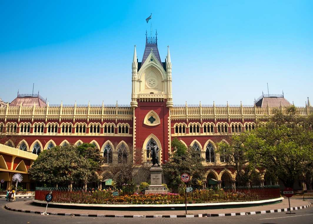 While hearing a PIL on COVID-19, Calcutta High Court cautioned the media to dissuade itself from