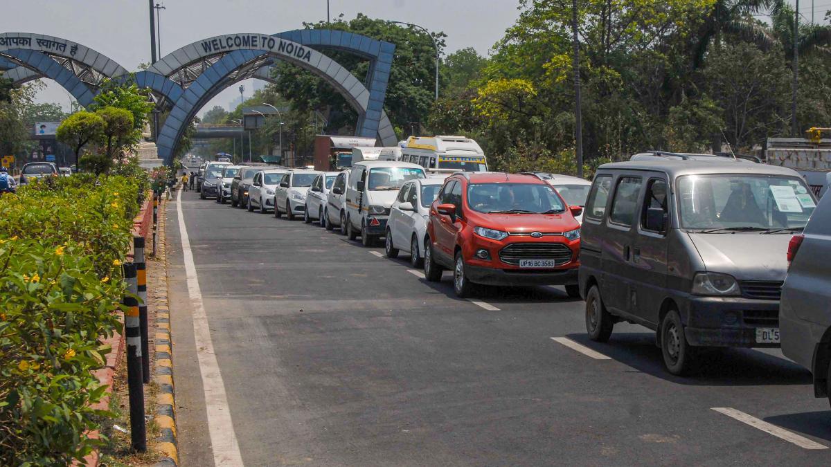 The Gautam Buddha Nagar District Magistrate Suhas L.Y. sealed the Delhi-Noida borders.