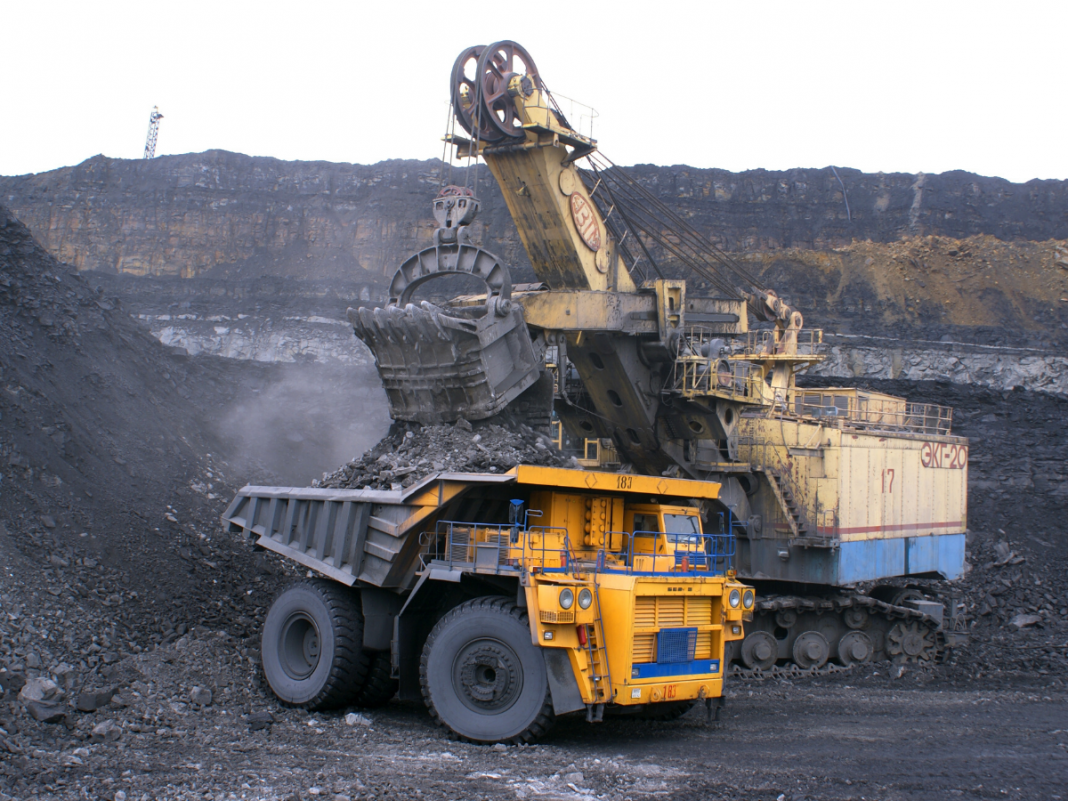 Jharkhand Government filed a plea in the SC seeking postponement of the Coal Mine auction.